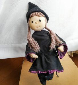 自作の魔女人形